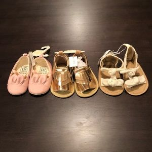 NEW GAP OLD NAVY SZ 3-6M SHOES